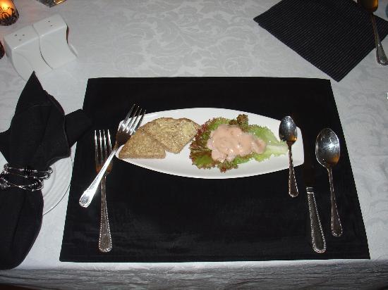 Brantome Villa : Crevettes cocktail au dîner!