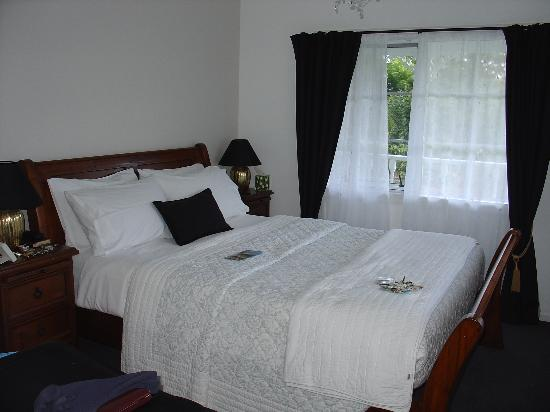 Brantome Villa : La chambre de la Lake View Suite