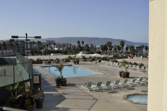 view from room picture of crowne plaza redondo beach. Black Bedroom Furniture Sets. Home Design Ideas