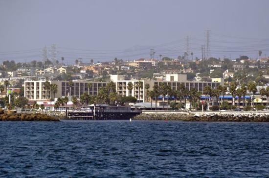 Crowne Plaza Redondo Beach & Marina: View of hotel from the sea