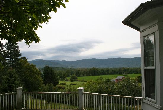 Baldwin Hill Farm Bed and Breakfast: Views of the Berkshires