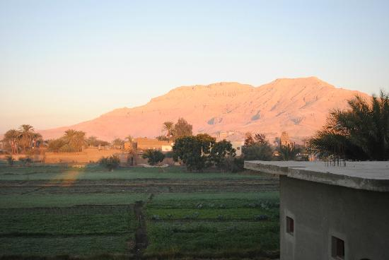 New Memnon Hotel: And the mountains that shares the Valleys