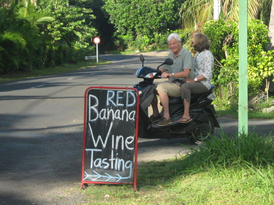 Muri, Islas Cook: Either way around the island you will see our sign