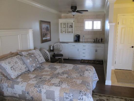BeachComber Inn: Very comfortable rooms