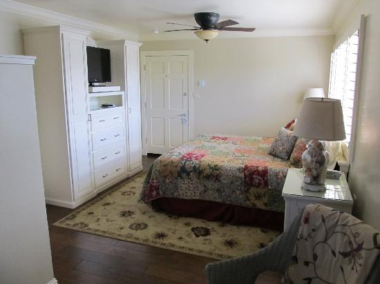 BeachComber Inn: Beautiful, newly remodeled rooms