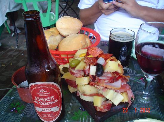 Epoca de Quesos: con vinito o cerveza artesanal mmm...!!