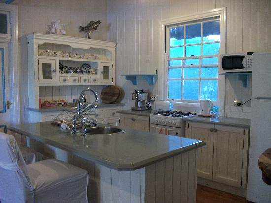 Samford Lakes Accommodation : Honeymoon Bay