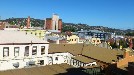 Hotel Grand Chancellor Launceston: View to clock tower out of other window
