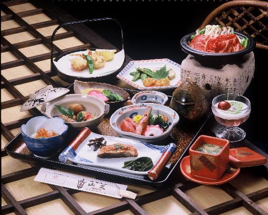 Oyado Yamakyu: 代々伝わるおふくろの味