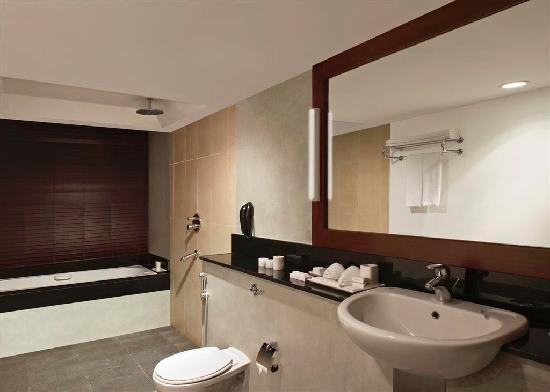 Heritance Ahungalla - Luxury Room Bathroom