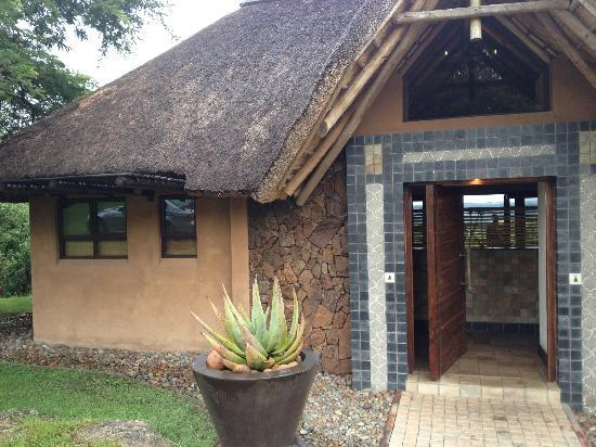 Likweti Lodge : outside view of the room
