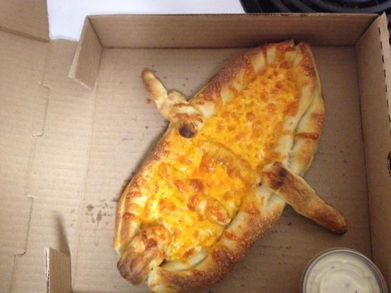 "Enderby, Канада: Special ""boat"" cheese pizza"