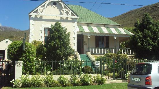 Villa Victoria Guesthouse: The Villa