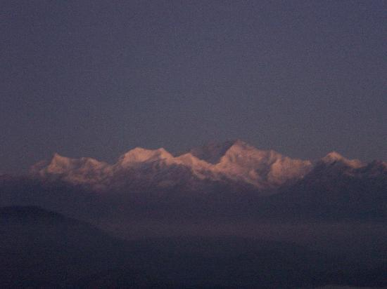 Sterling Resorts Darjeeling: kanchenjunga from hotel's viewpoint