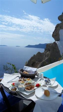 Andronis Luxury Suites: our breakfast