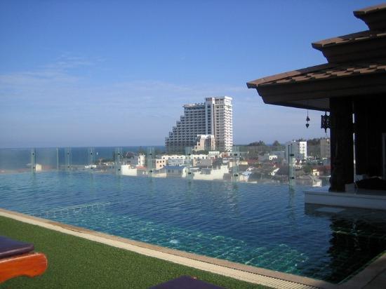 โรงแรมชเลราญหัวหิน: Pool