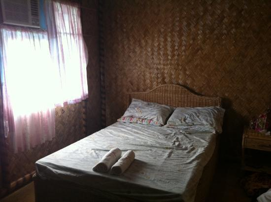 Jendi Seafront Lodge: Bedroom