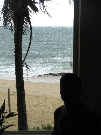 AVANI Quy Nhon Resort & Spa: FROM THE TUB!!!