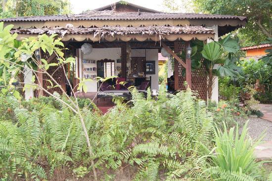 Pondok Keladi Guest House : The Balai