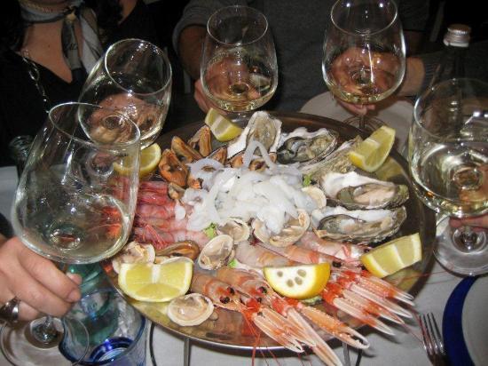 A Mère: il crudo di mare ed il vino
