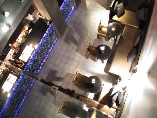 Mezzanine Fes: downstairs lounge