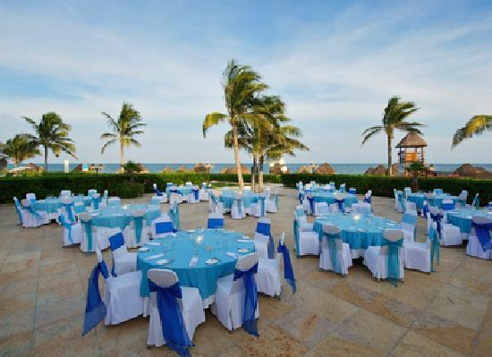 Ocean Coral & Turquesa: Tropical beachfront weddings