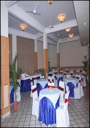 Queens Residency: Banquet Hall