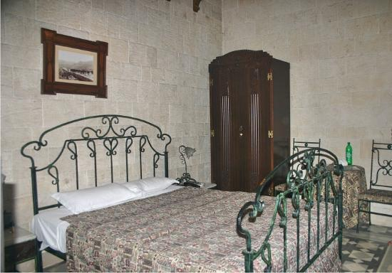 Mandaloun Hotel-Restaurant: Regular room