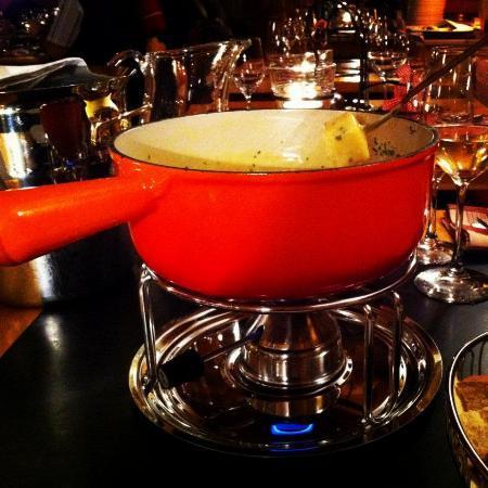 Hotel Chesa Rosatsch - Home of Food: Fondue in der Fondue-Stüva Bacharia