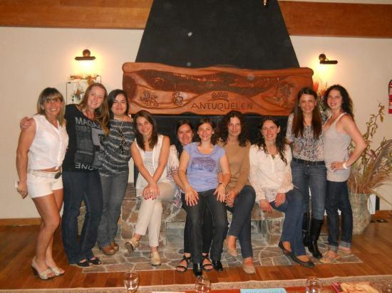 Antuquelen Hosteria Patagonica: Amigas