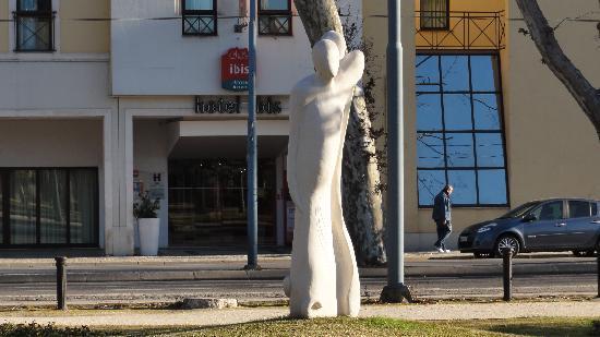 Ibis Coimbra: Ibis hotel entrance