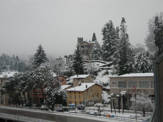 Tresa Bay Hotel : nur wenige Meter zur Grenze nach Italien