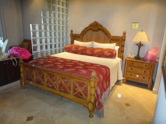 Parrot Tree Beach Resort : Our room