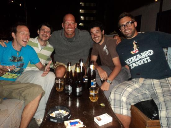 Dragonfly Hostels: Noches de amistades internacionales