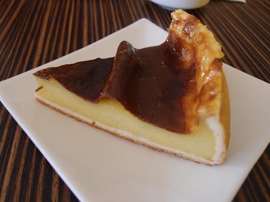 baked flan with vanilla