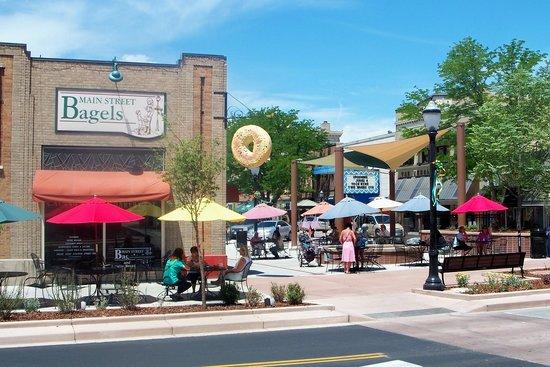 Main Street Bagels Artisian Bakery & Cafe: Downtown 6th & Main