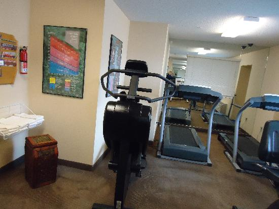 Candlewood Suites Emporia: Free gym facilities available 24/7