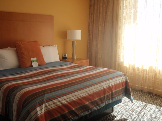 Hyatt House Salt Lake City/Sandy: King Bed -- Bedroom 1