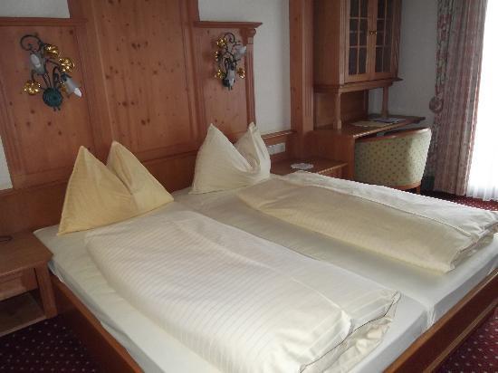 Hotel Herrschaftstaverne: Chambre correcte