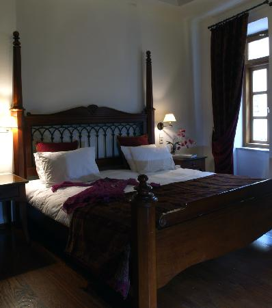 Casa Delfino Hotel & Spa: king-size bed