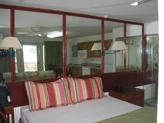 The Summit Hotel: Summit Bedroom