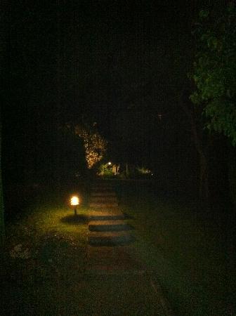 Relais La Saracina: Night time at La Saracina