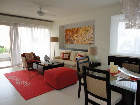 Marival Residences Luxury Resort: The living area.
