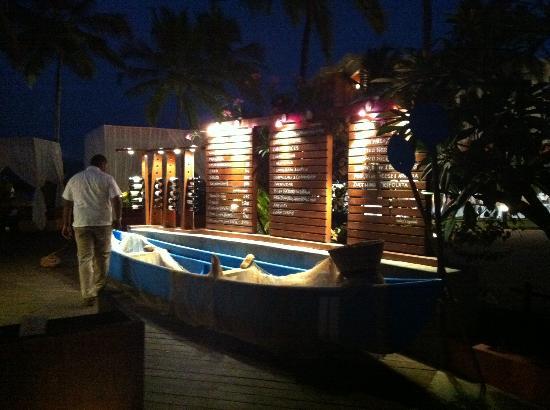 Cidade de Goa: Cidade at night. Beautiful.