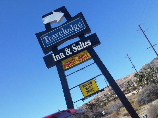 Travelodge Inn and Suites Yucca Valley/Joshua Tree Nat'l Park: Turn here...
