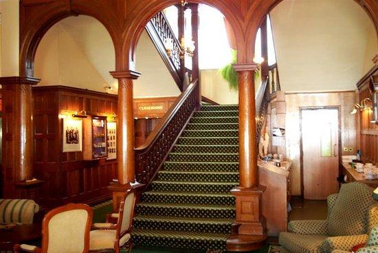 Victoria Hotel: main stairway