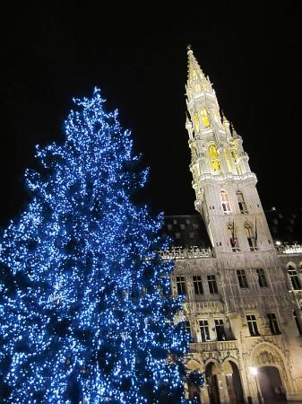 Aris Grand Place Hotel: There's stuff to do during Xmas season