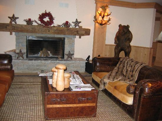 Chalet RoyAlp Hotel & Spa : hall d'entrée - Réception