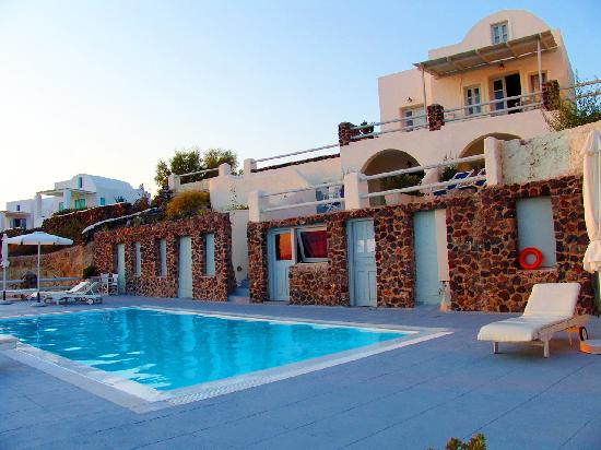 Oia Suites Hotel