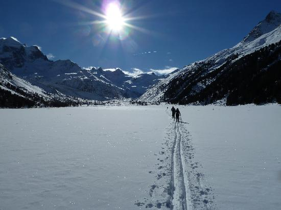Hotel Baer & Post: Route to Foot of Roseg Glacier - no loipe here!
